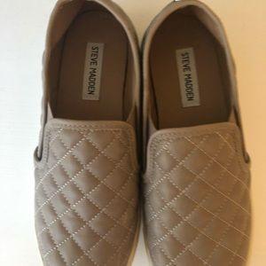 Size 8.5 Steve Madden slip on shoes